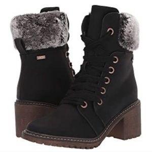 Roxy women's Whitley boots fur size 7.5